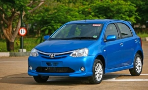 Toyota-Etios-Liva-India-July-2011